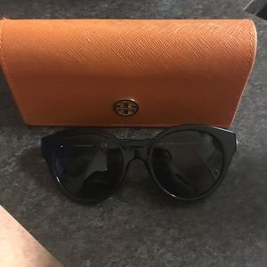 Tory Burch Sunnies!